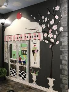 Ice Cream Parlor 4
